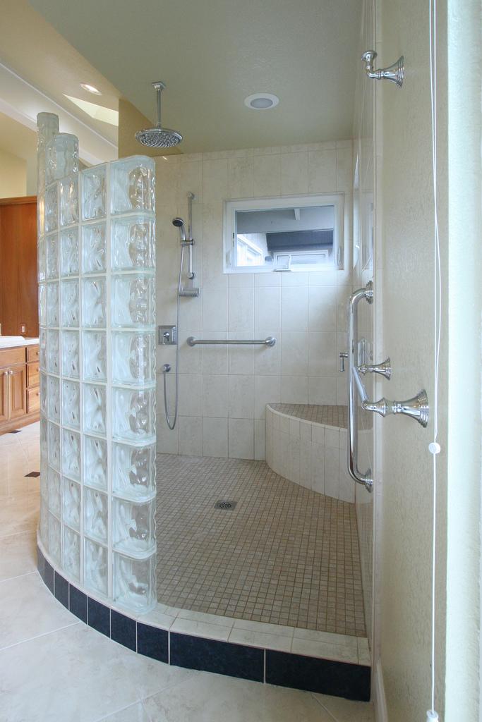 פנטסטי מקלחונים במבצע | בלוג sunbeltblog BD-78